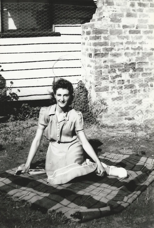 Lorna Mary Newth