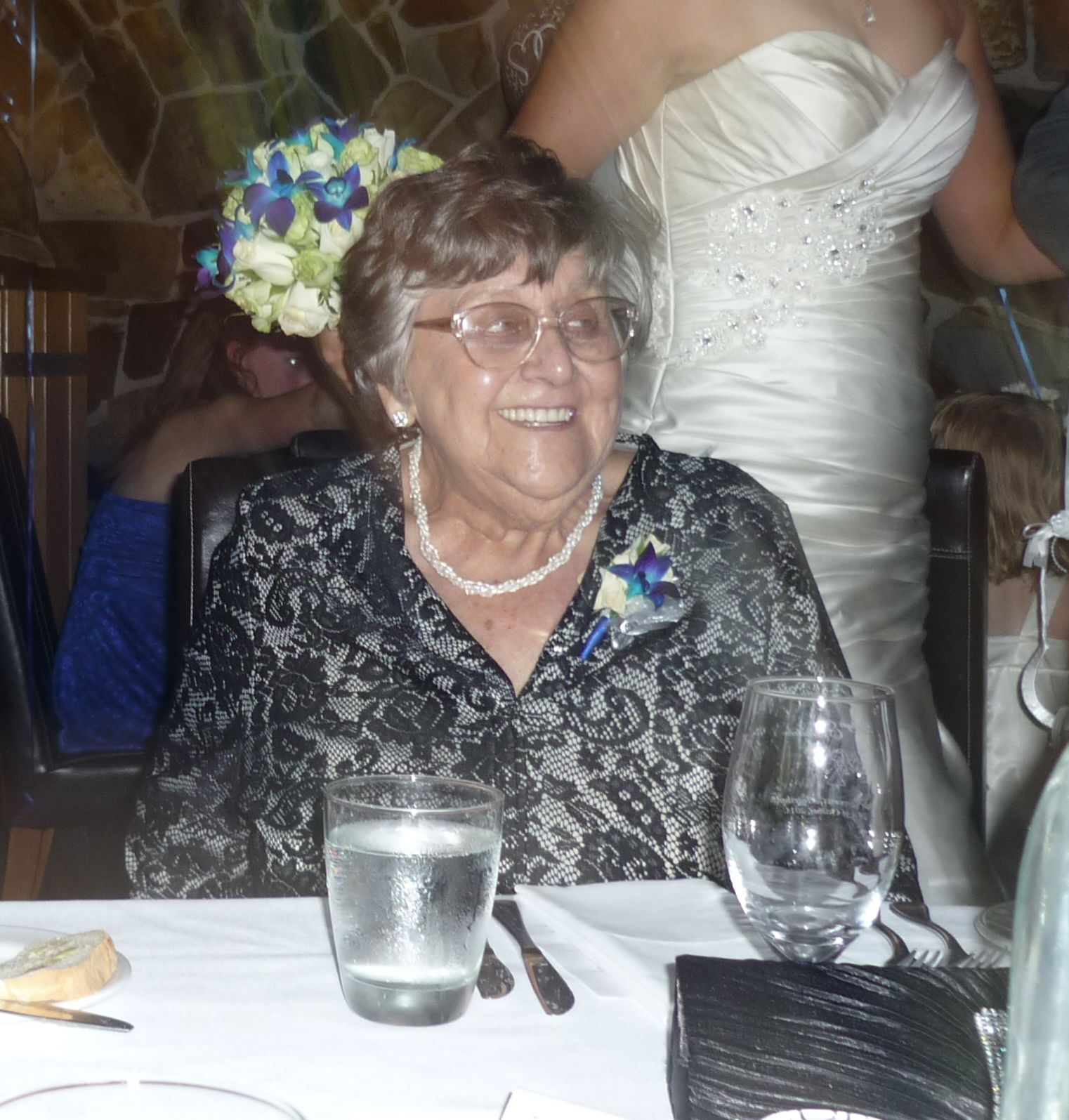 Joyce Beale (Carey)