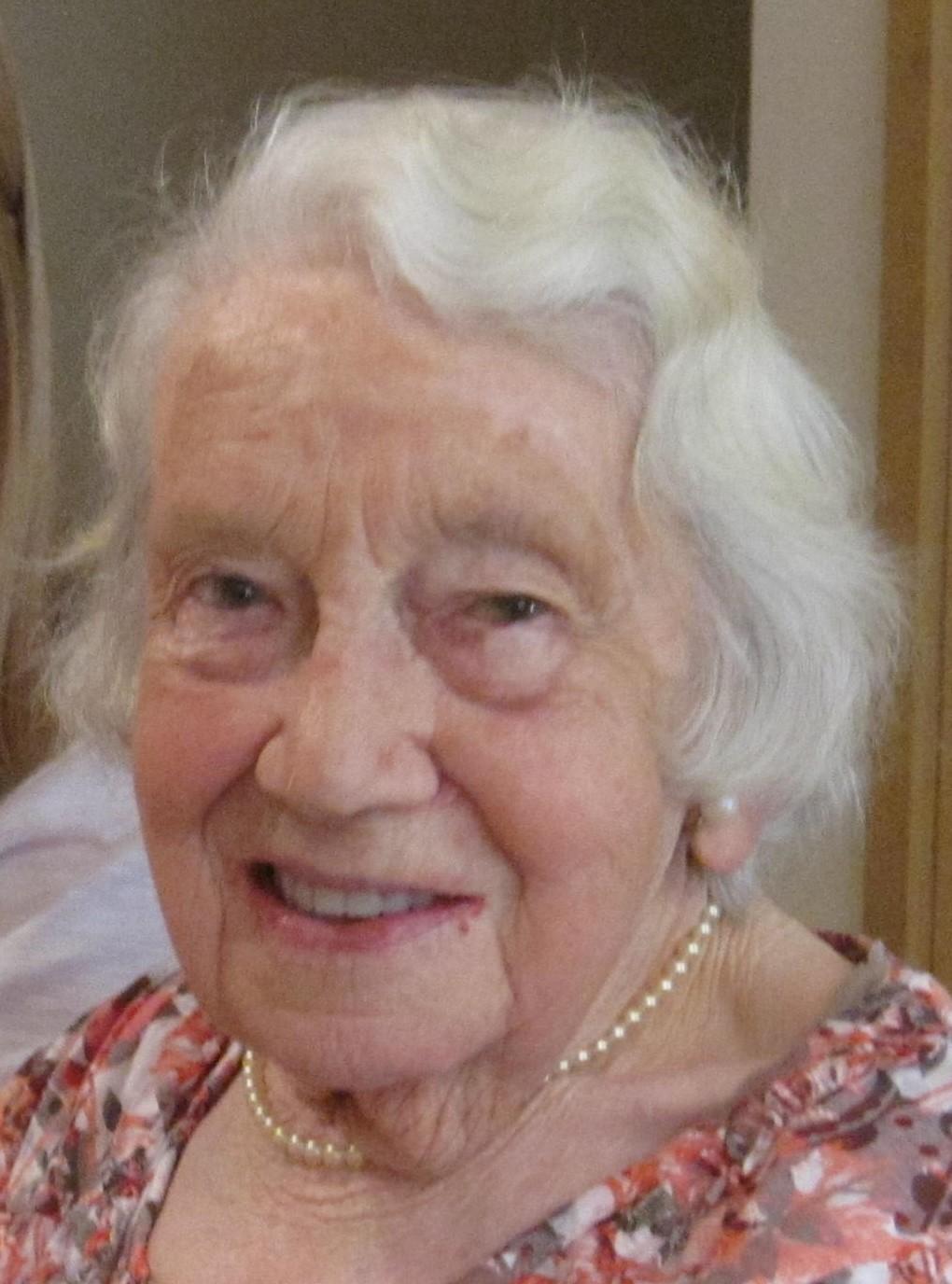 Edna May Cordwell .